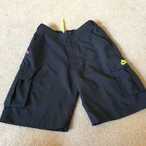 NIKE gray dri-FIt Cargo shorts - Medium